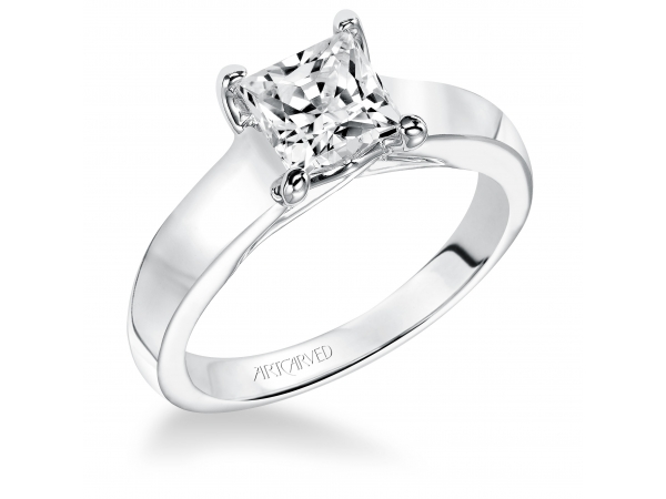 Hannah - Solitare diamond engagement ring with princess cut stone
